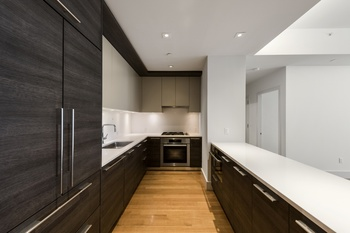 The Leonard Presents an Amazing 2Bed- 2Bath with luxuriously appointed finishes in TriBeCa!!!